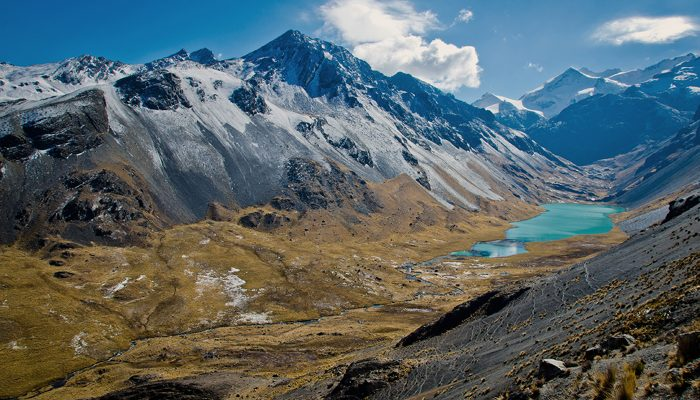 Travesía integral de la Cordillera Real