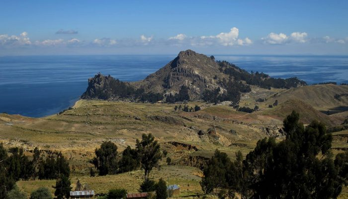 Unforgettable stay with the communities of Chuquiñapi and Santiago de Okola, by the Titicaca Lake