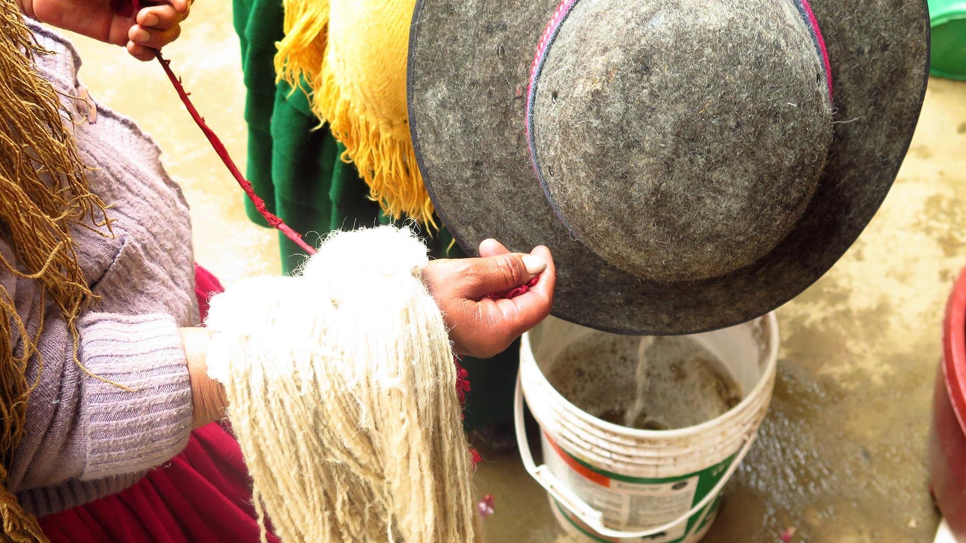 Dyeing workshop in El Alto !