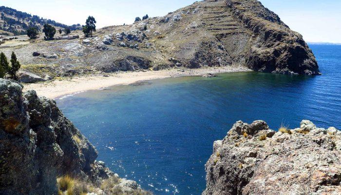 CHUQUIÑAPI / CATAMARAN - SANTIAGO DE OKOLA / TURTLE ISLAND