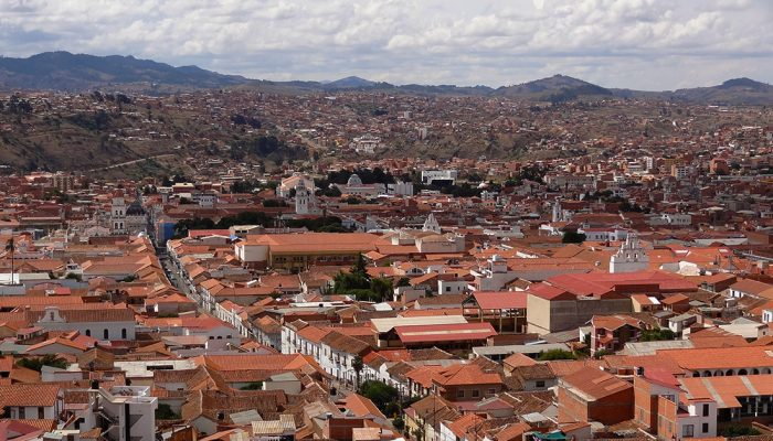 SANTA CRUZ - SUCRE (2.790 M A.S.L. – 9153 FT) / CITY TOUR