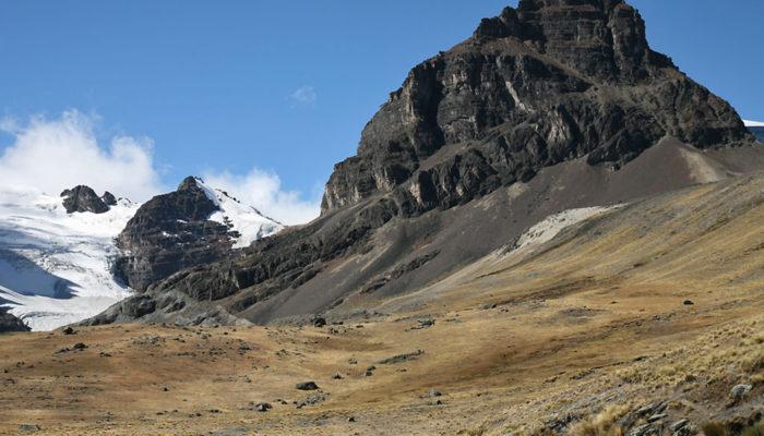 : LAGUNA CHIARKHOTA - LAGUNA WICHU KHOTA (4680 meters / 15 354 feet a.s.l)