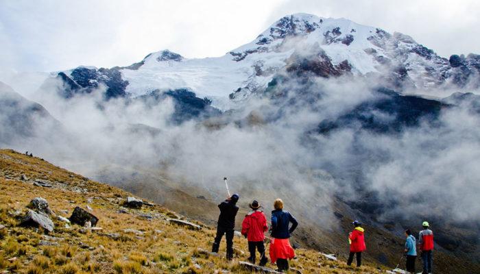 KANISAYA – LAGUNA CHUCHUJA (4230 meters/13,900 feet asl)