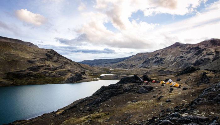 LAGUNA CHUCHUJA – LAGUNA KAÑUHUMA (4720 meters/15,500 feet asl)
