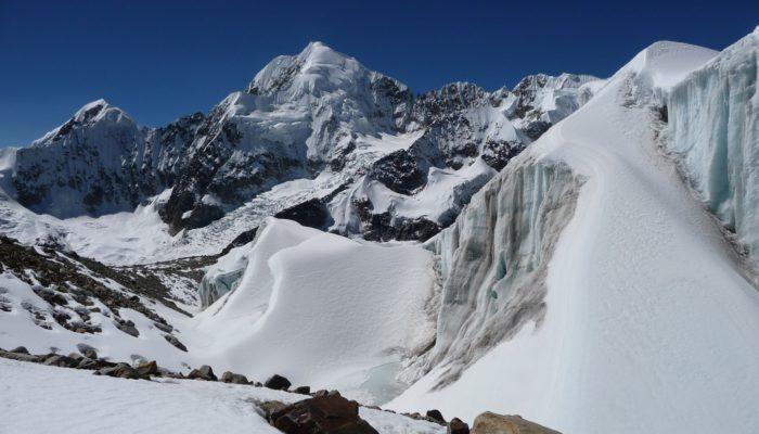LAGUNA GLACIAR – HIGH CAMP (5460 meters/17,900 feet asl)