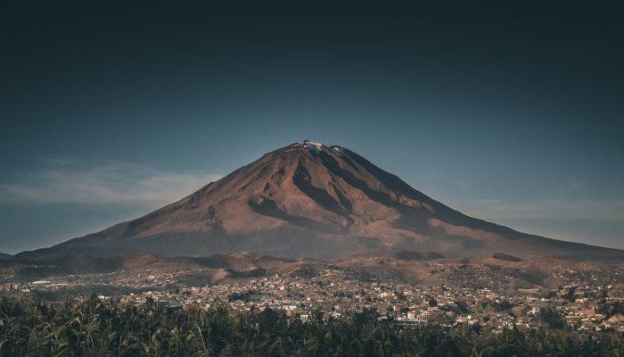 LIMA – AREQUIPA (2.300 m/ 7545 ft)