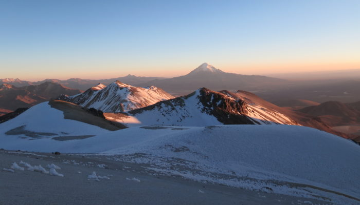 ASCENT OF THE ACOTANGO (6.032 meters / 19 790 feet asl.) / SAJAMA / LA PAZ (3600 m asl / 11 811 feet asl.)