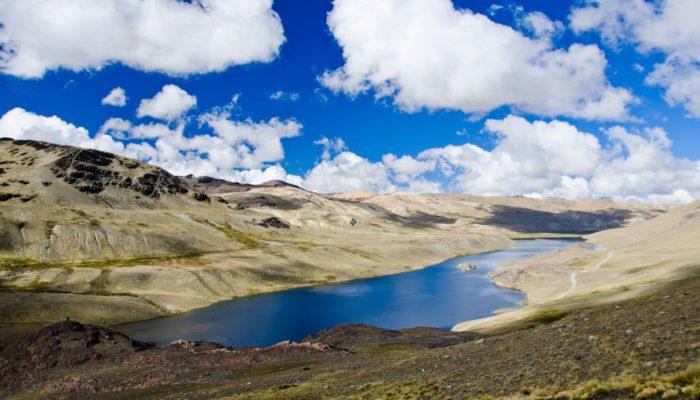 COLOLO CAMP ( 4680 m.a.s.l./15354 feet) – LAGUNA PUJO PUJO (4655 m.a.s.l./15270 feet)