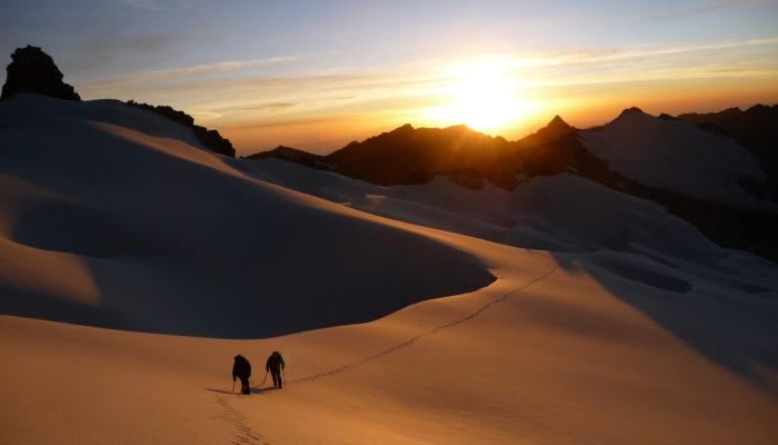 Janqu Uyu & Pacha Pata Ascent